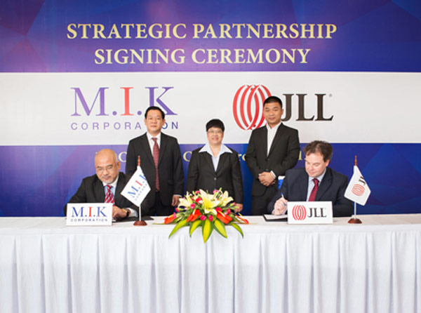 MIK ký kết hợp tác với Johnes Lang Lasalle